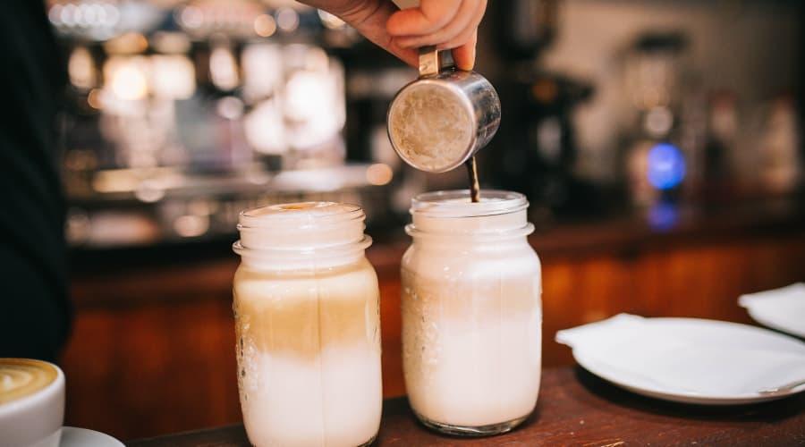 cafe con leche y canela